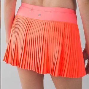 Lululemon Pleat To Street Skirt 10 NWT  Grapefruit